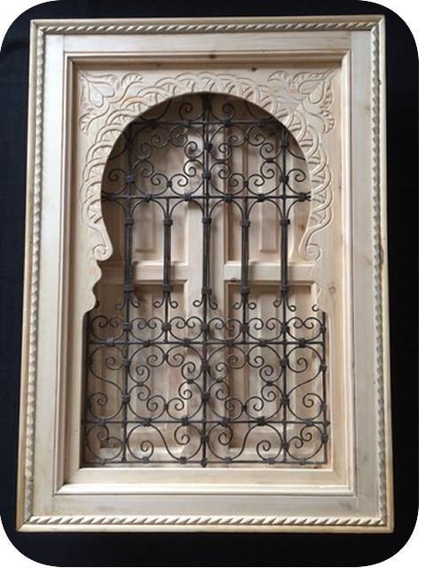 Fer forg marocain fen tre marocaine sculpt e bois et fer forg mod le jemaa avec volet 100 x for Design fer forge fenetre