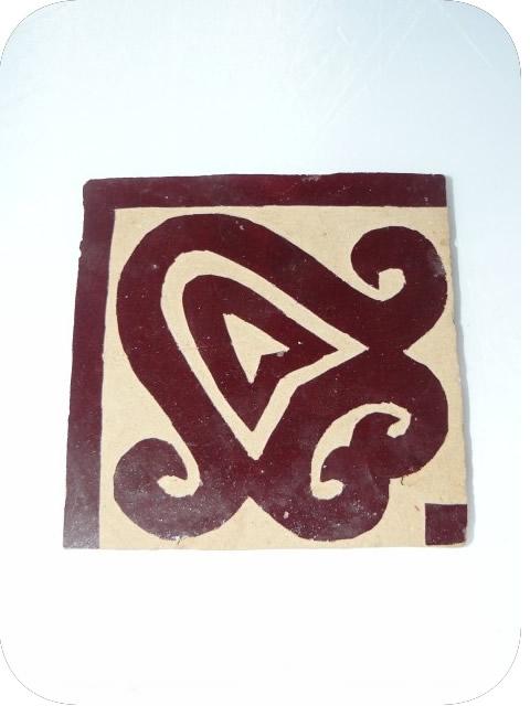 Frise en carreaux de zellige ciselés, modèle rouge brun / angle 10 x 10 cm  (prix au carreau)